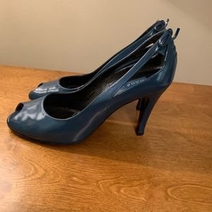 Marc Jacobs Leather Peep Toe Pumps